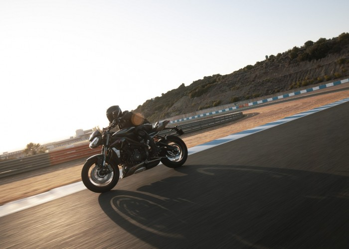 New Street Triple RS Dynamic 3