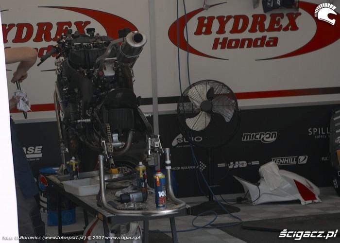 rozebrany motocykl hydrex honda k mg 0045