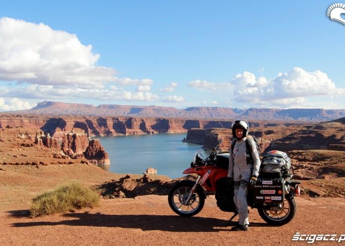 Ania Jackowska na motocyklu