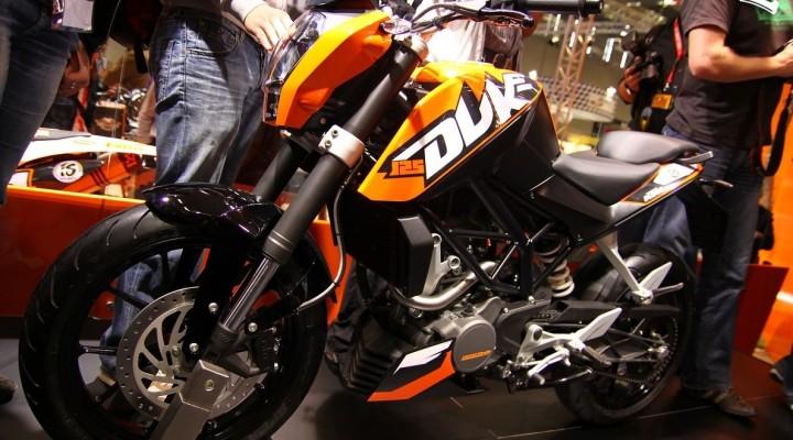KTM Duke 125 2011 lewa strona