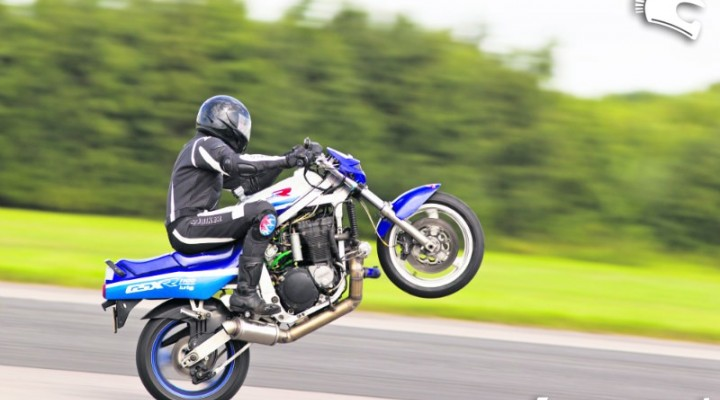 gsx-r 1100 wheelie