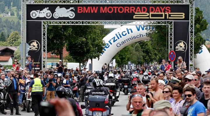 Parada motocykli z