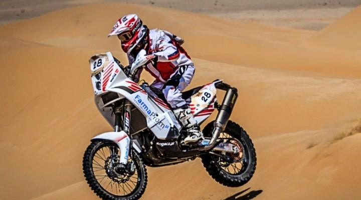 Norbert Madetko skok  Abu Dhabi Desert Challenge 2014 z