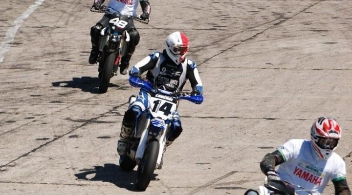 Supermoto przed zakretem extrememoto 2010