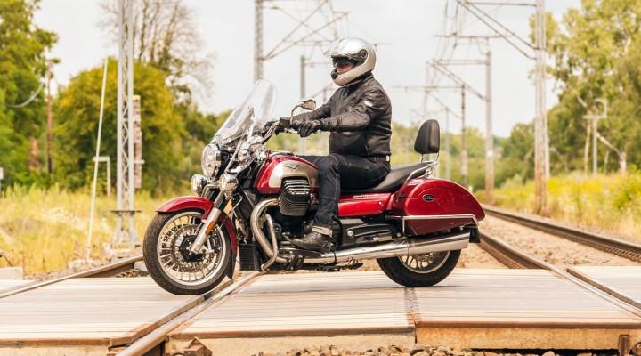 Moto-Guzzi-California-1400-2018 z