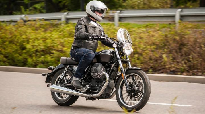 Moto Guzzi V9 Roamer 2018 z
