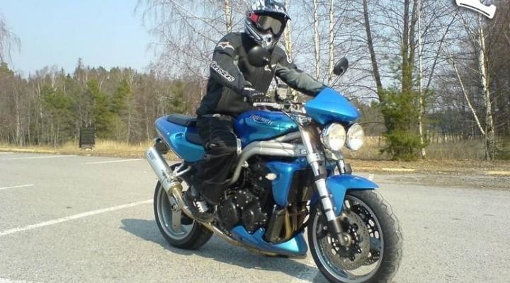 Speed Triple 955 niebieski