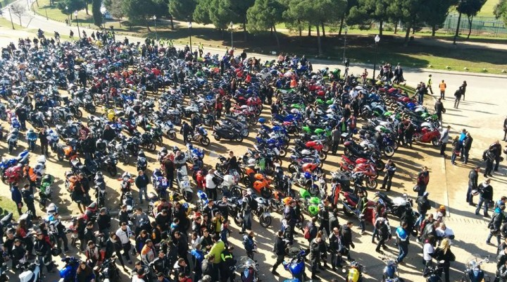 Protest motocyklistow pod siedziba Telefonica z