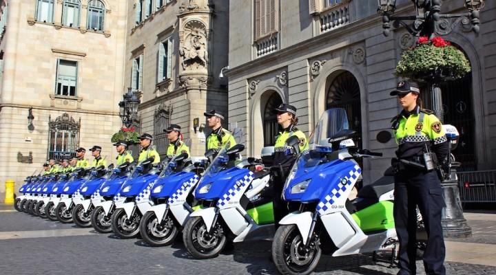 elektryczne bmw dla policji z