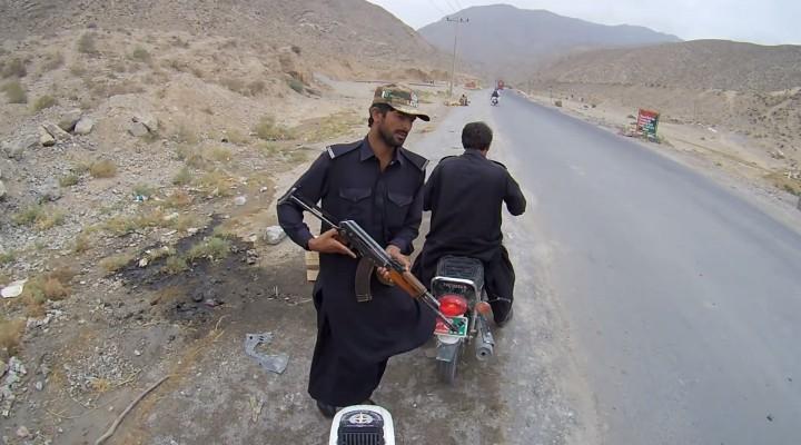 Feel The World Etap 3 Pakistan z