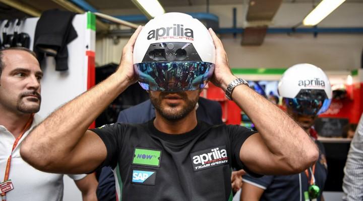 DAQRI Smart Helmet wirtualna rzeczywistosc z
