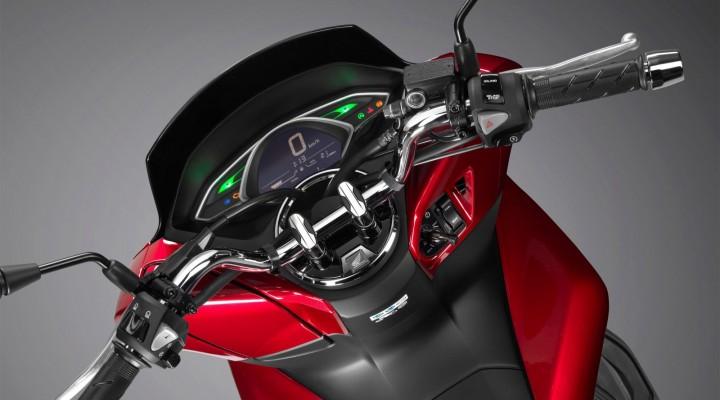2018 Honda PCX125 04 z