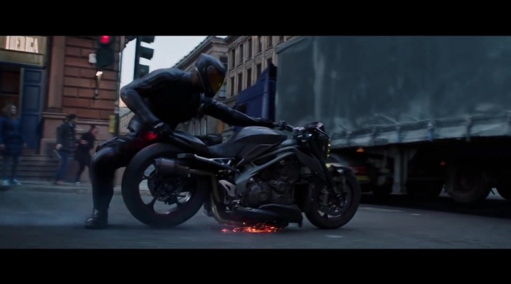Triumph Motorcycle Driven by Idris Elba in Fast Furious Presents Hobbs Shaw 1 z