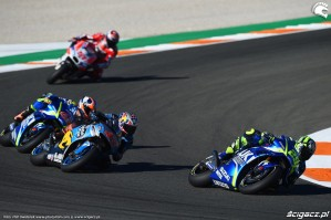 MotoGP Walencja 2017 29 Andrea Iannone Ecstar Suzuki 1