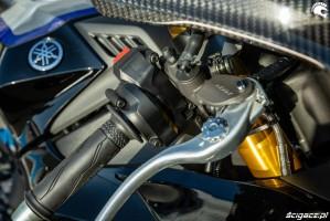 Yamaha R1 M 2020 klamka