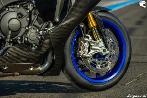 Yamaha R1 M 2020 przod kolo