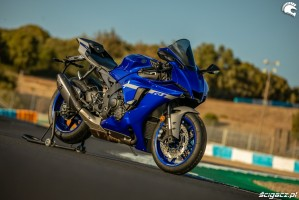 yamaha r1 nowy model 2020