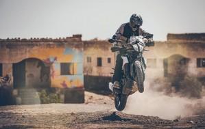KTM 390 Adventure 2020 off wheelie