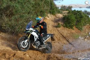049 triumph tiger 900 rally w terenie barry test