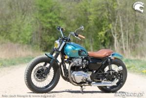 15 Kawasaki W 650 Flying Duxe custom bobber Dos Manos