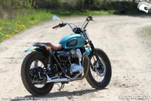 20 Kawasaki W 650 Dos Manos