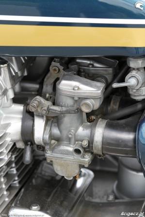 31 Kawasaki Z1 gaznik