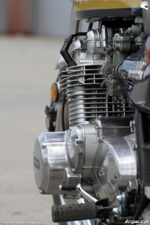 35 Kawasaki Z1 cylinder