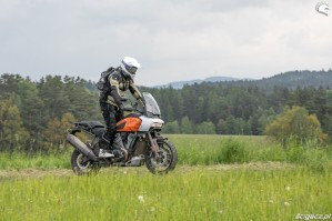 59 Harley Davidson 1250 Pan America 2021 test motocykla