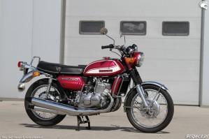40 Suzuki GT 750