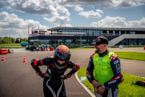 09 Testy prasowe Ducati Monster 2021