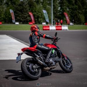 12 Testy prasowe Ducati Monster 2021