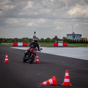 13 Testy prasowe Ducati Monster 2021