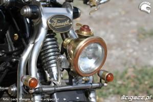37 Triumph Bonneville America custom reflektor