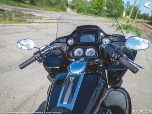 HD RoadGlide 49 kokpit