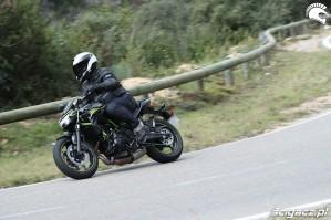 02 Kawasaki Z650 2020 bariera