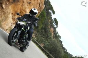 08 Kawasaki Z650 2020 skret