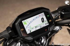 Kawasaki Z650 2020 kokpit dzien