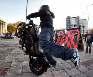 Harley Davidson stunt