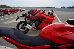 Ducati Supersport piekny poranek