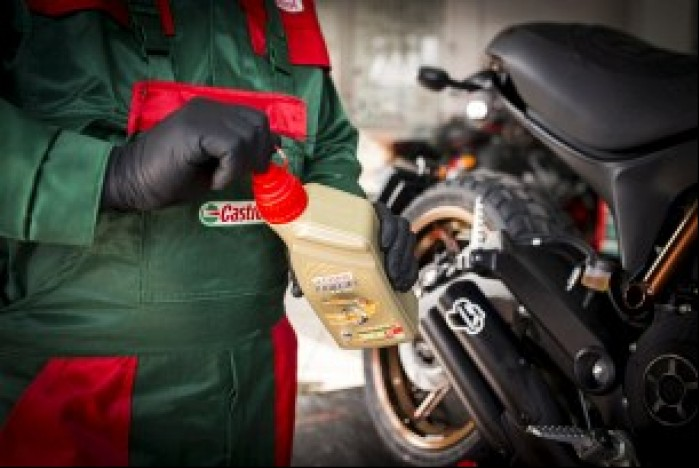 Castrol olej motocyklowy