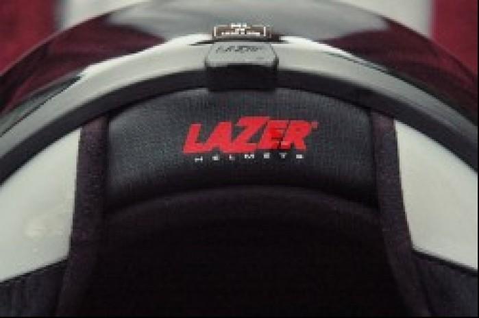 elementy odblaskowe na spodzie Lazera