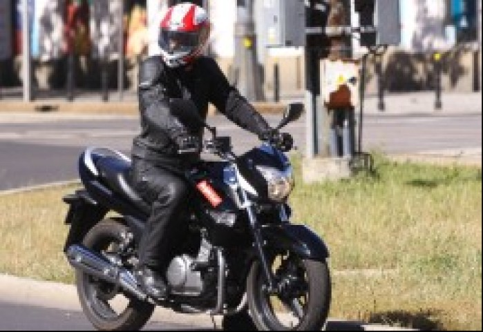 w ruchu ulicznym Suzuki Inazuma 250