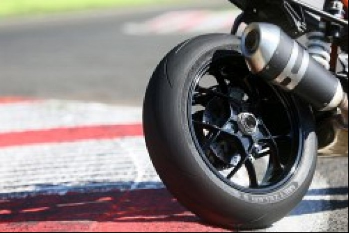 Metzeler Racetec RR tyl