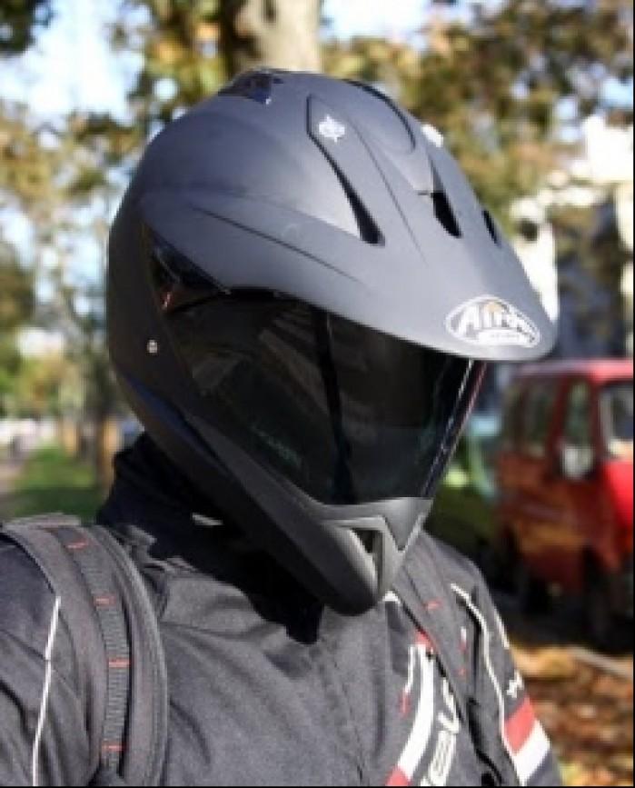 Airoh S4 ochrona przed sloncem