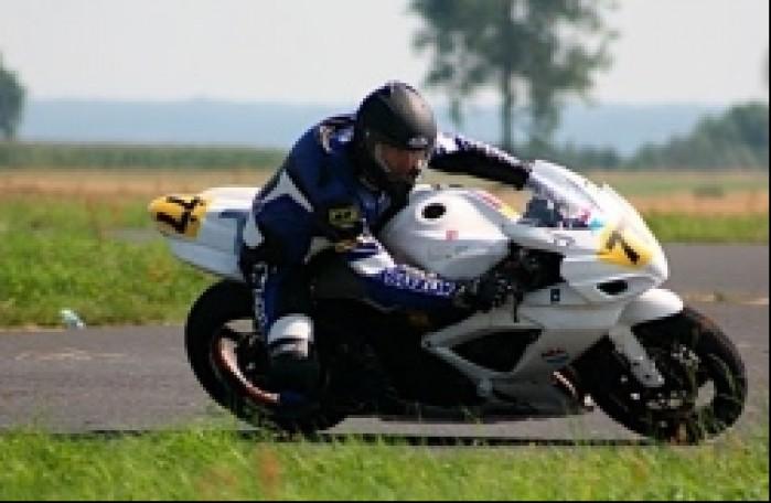 Szkolenie motocyklistow Lotnisko Ulez kierowanie motocyklem