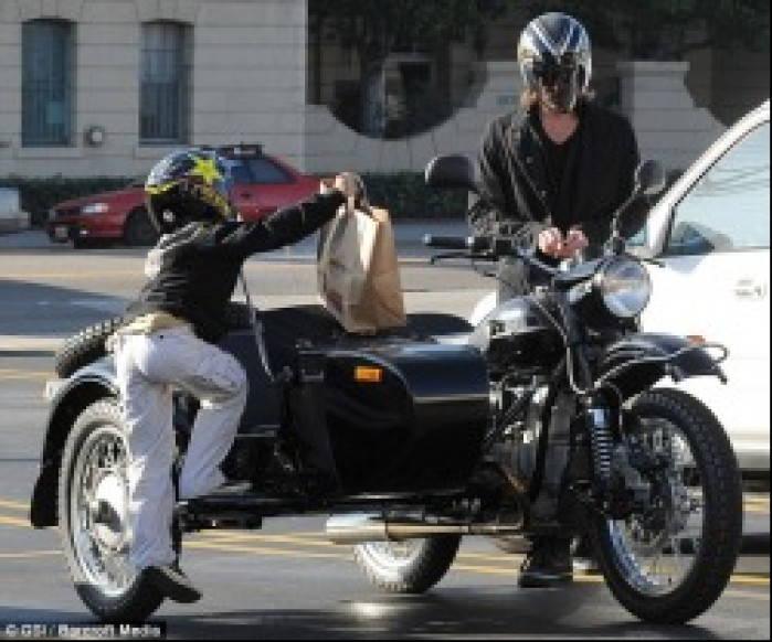 Brad Pitt z synem
