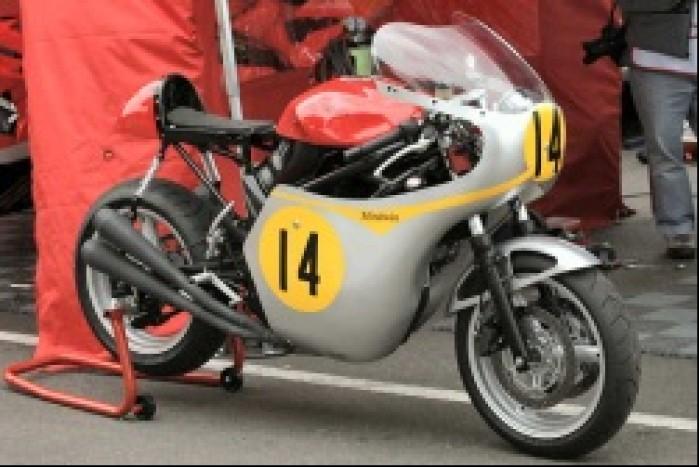 Ducati hailwood replica