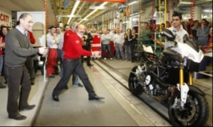 Ducati MTS1200 uroczystosc powitania pierwszego modelu