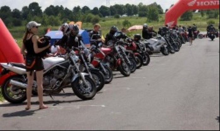 motocykle honda drive safety trening promotor b mg 0151