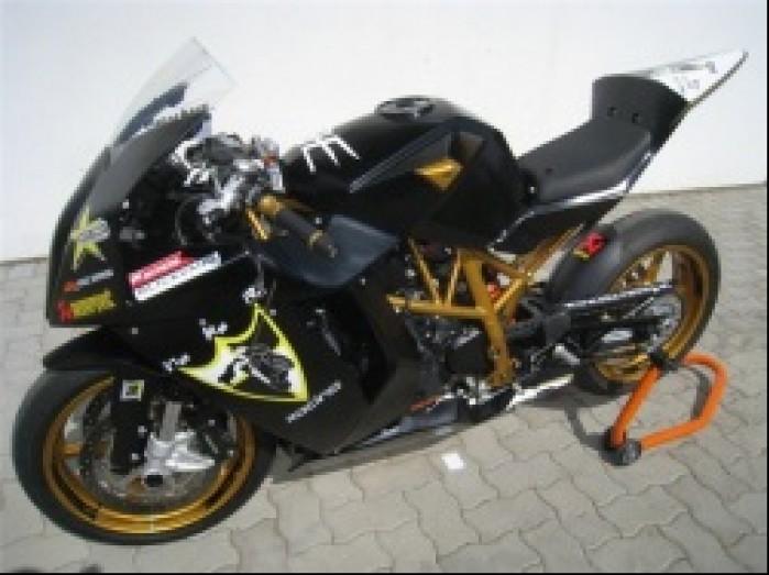jednocylindrowy superbike